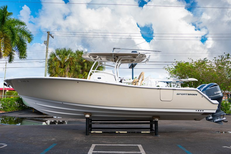 Thumbnail 4 for Used 2016 Sportsman Open 312 Center Console boat for sale in West Palm Beach, FL