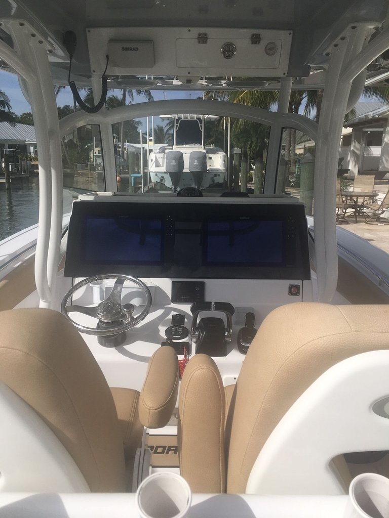 Thumbnail 11 for Used 2018 Sportsman Open 312 Center Console boat for sale in West Palm Beach, FL