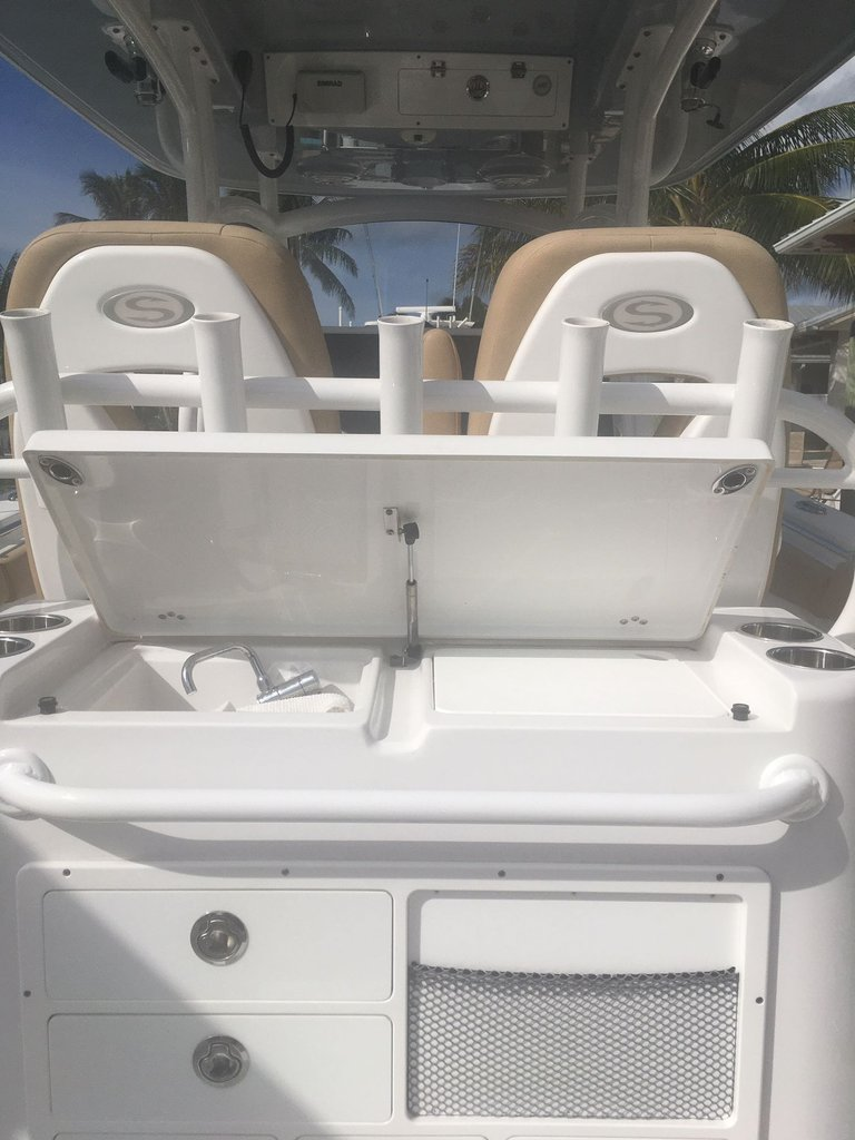 Thumbnail 10 for Used 2018 Sportsman Open 312 Center Console boat for sale in West Palm Beach, FL
