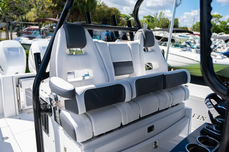 Thumbnail 22 for New 2020 Blackfin 332CC Center Console boat for sale in West Palm Beach, FL
