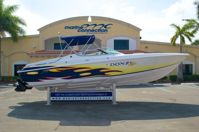 Used 2004 Donzi 28 ZX for sale