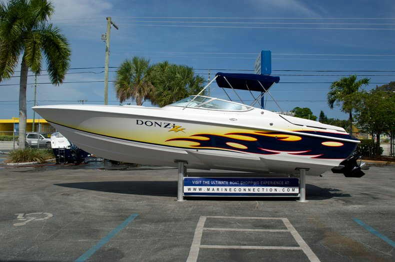 Used 2004 Donzi 28 ZX boat for sale in West Palm Beach, FL