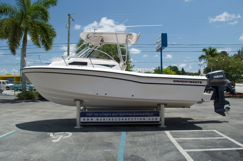 Used 2000 Grady-White Seafarer 228 Walk Around boat for sale in West