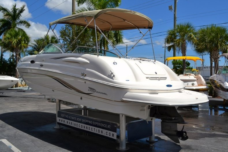 Used 2004 Chaparral 254 Sunesta Deck Boat Boat For Sale In