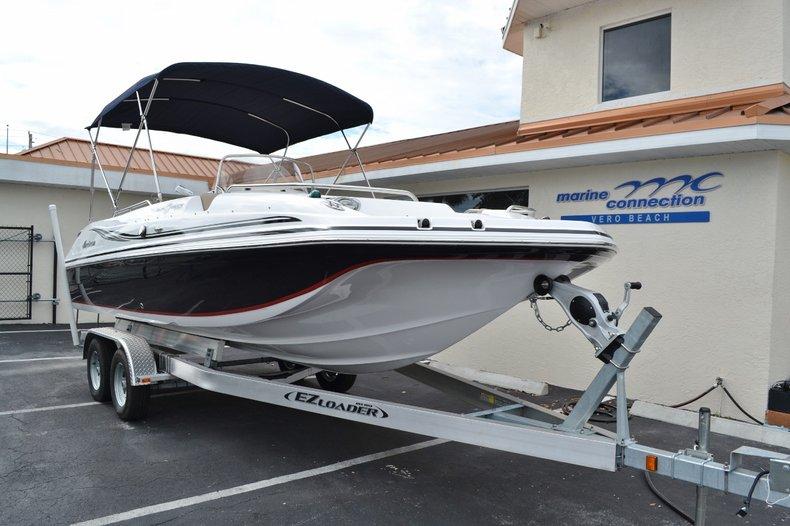 Thumbnail 1 for New 2015 Hurricane SunDeck Sport SS 211 OB boat for sale in Vero Beach, FL