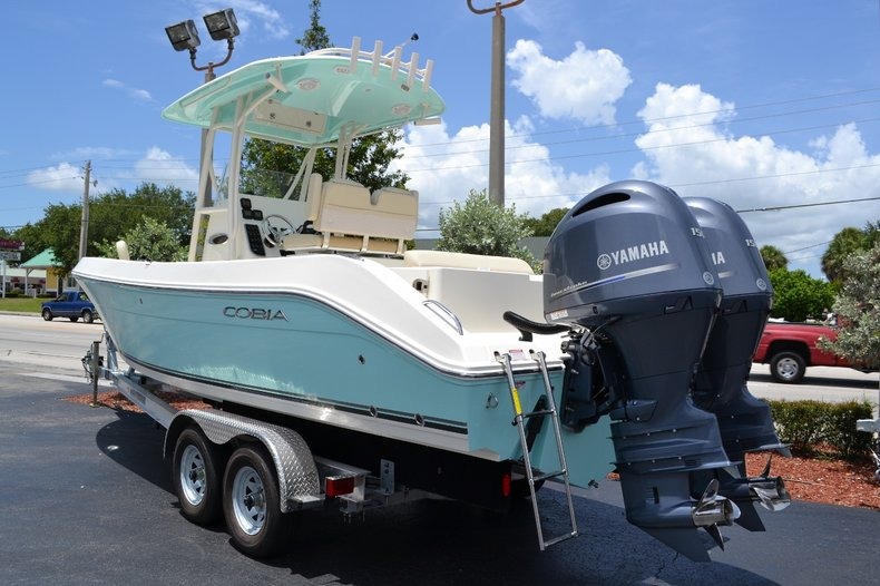 Thumbnail 1 for New 2015 Cobia 256 Center Console boat for sale in Vero Beach, FL