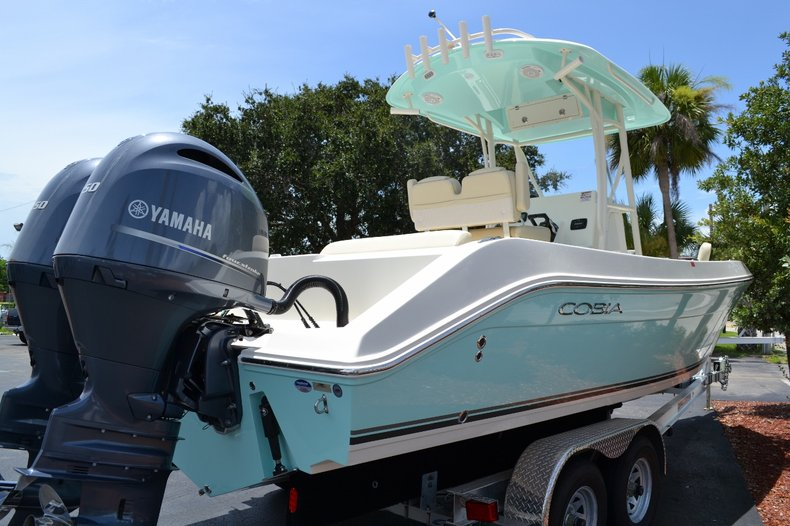 Thumbnail 3 for New 2015 Cobia 256 Center Console boat for sale in Vero Beach, FL