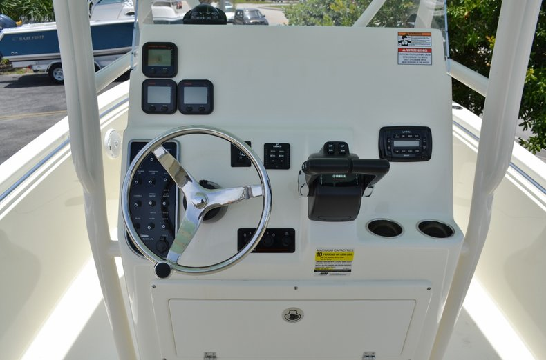 Thumbnail 9 for New 2015 Cobia 256 Center Console boat for sale in Vero Beach, FL