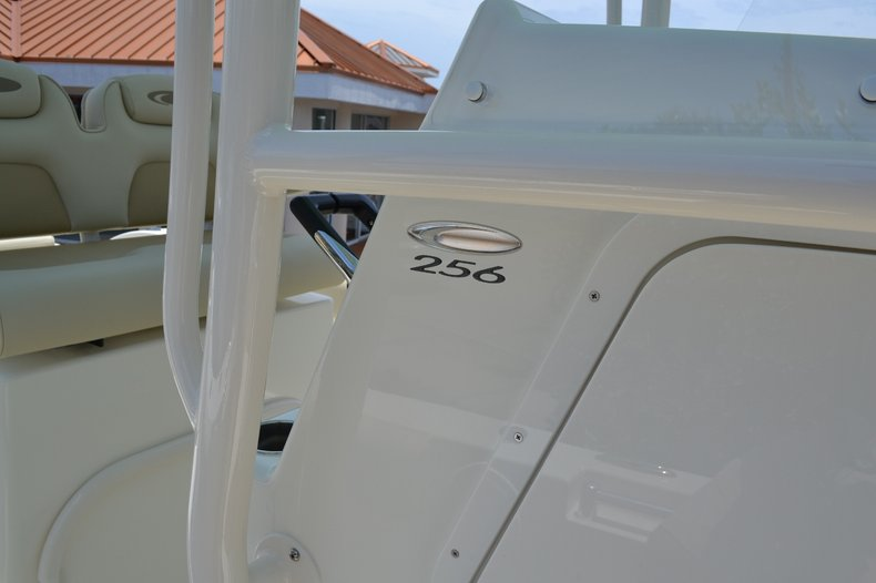 Thumbnail 15 for New 2015 Cobia 256 Center Console boat for sale in Vero Beach, FL