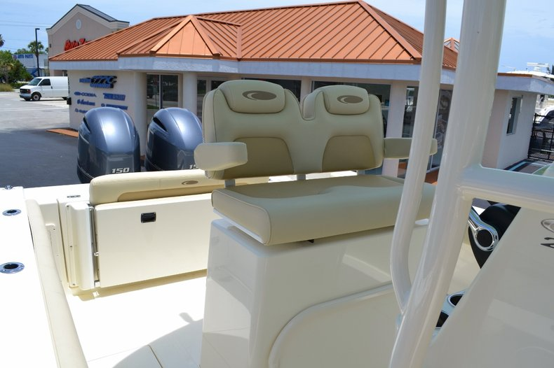 Thumbnail 16 for New 2015 Cobia 256 Center Console boat for sale in Vero Beach, FL