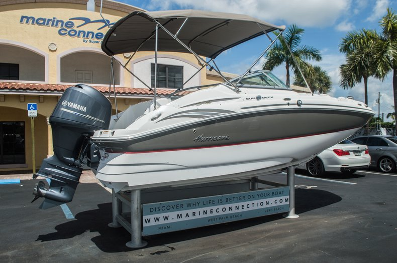 Thumbnail 7 for Used 2013 Hurricane SunDeck SD 2000 OB boat for sale in Vero Beach, FL