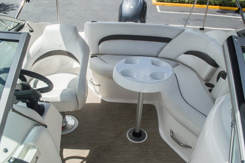 Thumbnail 41 for Used 2013 Hurricane SunDeck SD 2000 OB boat for sale in Vero Beach, FL