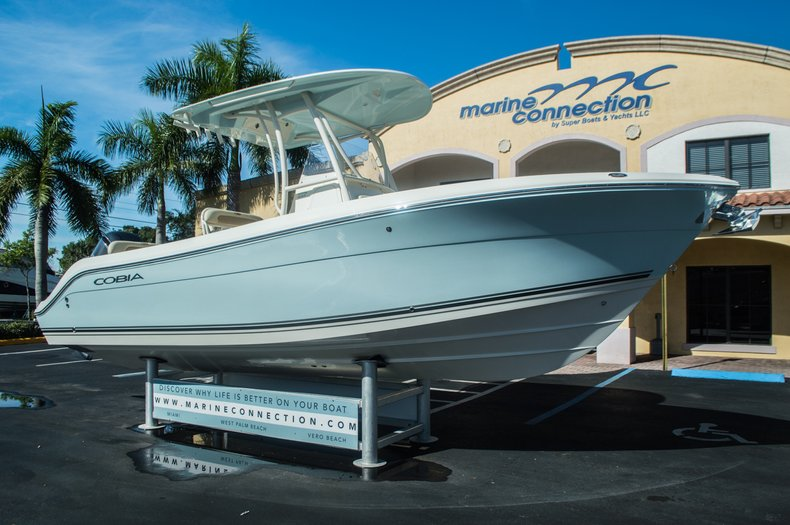 Thumbnail 1 for New 2016 Cobia 237 Center Console boat for sale in Vero Beach, FL