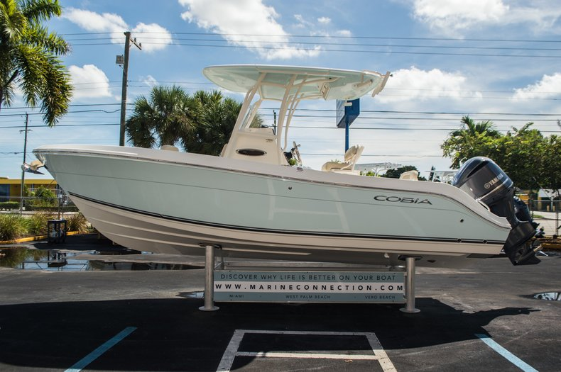 Thumbnail 4 for New 2016 Cobia 237 Center Console boat for sale in Vero Beach, FL