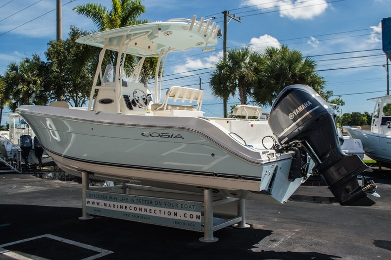 Thumbnail 5 for New 2016 Cobia 237 Center Console boat for sale in Vero Beach, FL