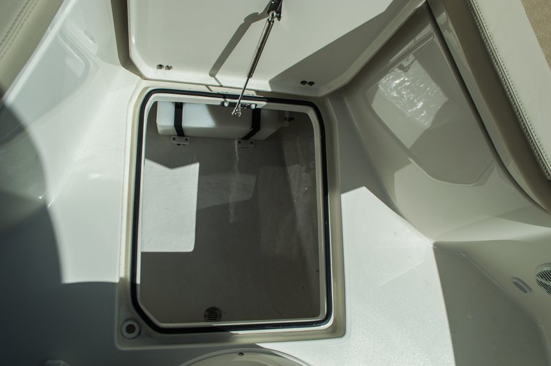 Thumbnail 19 for New 2016 Cobia 237 Center Console boat for sale in Vero Beach, FL