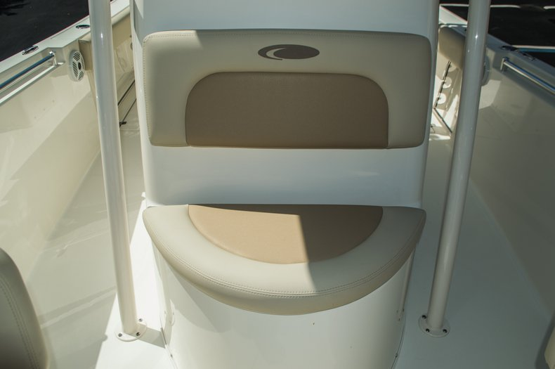 Thumbnail 20 for New 2016 Cobia 237 Center Console boat for sale in Vero Beach, FL