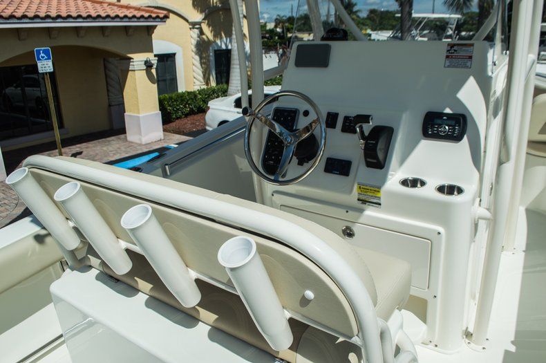 Thumbnail 25 for New 2016 Cobia 237 Center Console boat for sale in Vero Beach, FL