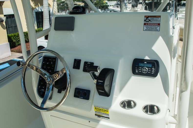 Thumbnail 26 for New 2016 Cobia 237 Center Console boat for sale in Vero Beach, FL