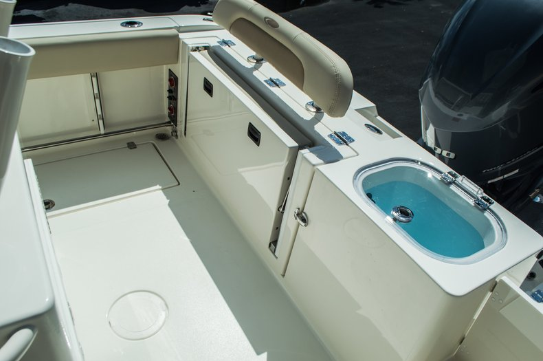 Thumbnail 39 for New 2016 Cobia 237 Center Console boat for sale in Vero Beach, FL