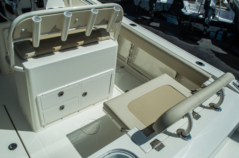 Thumbnail 45 for New 2016 Cobia 237 Center Console boat for sale in Vero Beach, FL