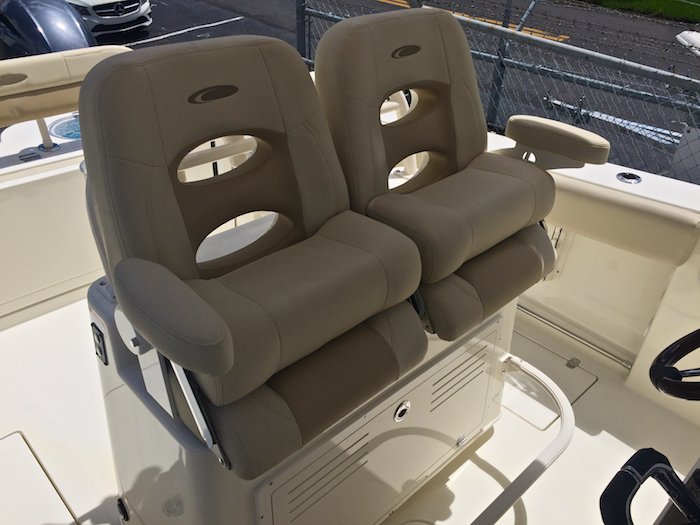 Thumbnail 10 for New 2016 Cobia 277 Center Console boat for sale in Vero Beach, FL