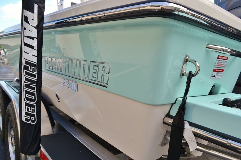 Thumbnail 9 for New 2016 Pathfinder 2200 TRS Bay Boat boat for sale in Vero Beach, FL