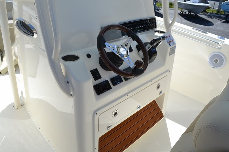 Thumbnail 14 for New 2016 Cobia 277 Center Console boat for sale in Vero Beach, FL