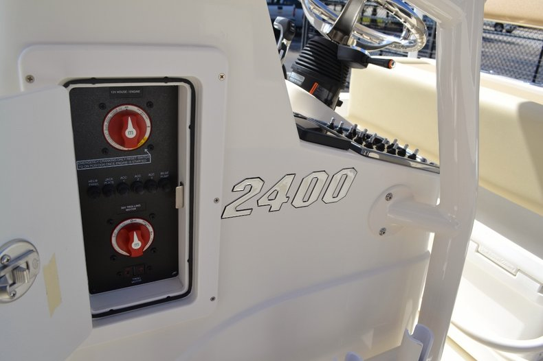 Thumbnail 14 for New 2016 Pathfinder 2400 TRS Bay Boat boat for sale in Vero Beach, FL