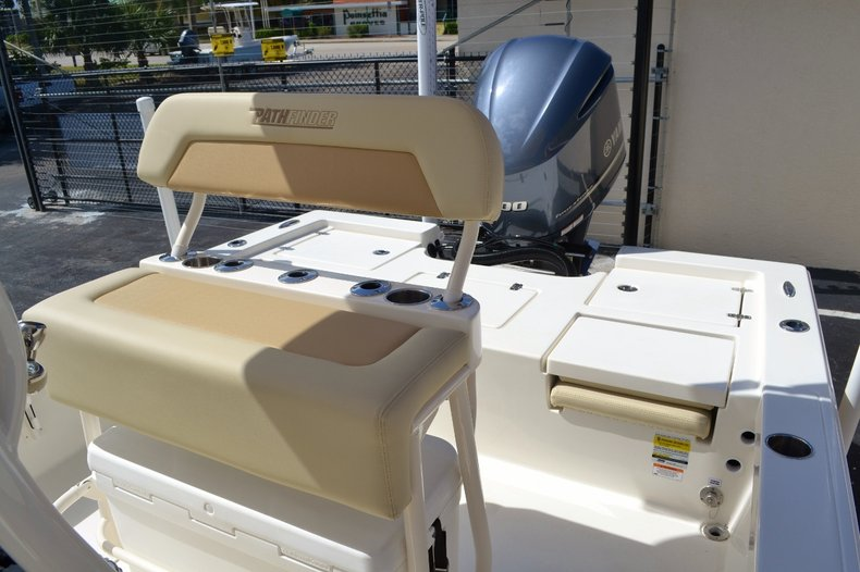 Thumbnail 15 for New 2016 Pathfinder 2400 TRS Bay Boat boat for sale in Vero Beach, FL