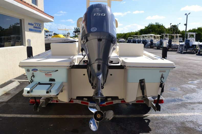 Thumbnail 5 for New 2016 Pathfinder 2200 TRS Bay Boat boat for sale in Vero Beach, FL