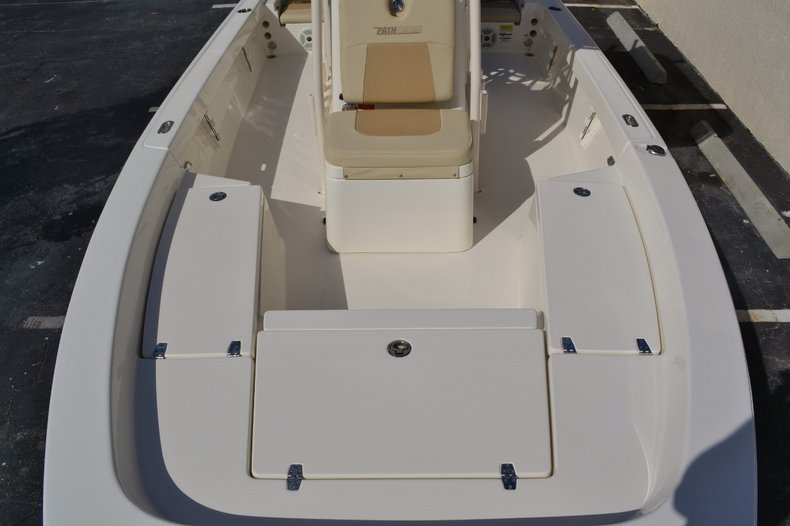 Thumbnail 16 for New 2016 Pathfinder 2200 TRS Bay Boat boat for sale in Vero Beach, FL