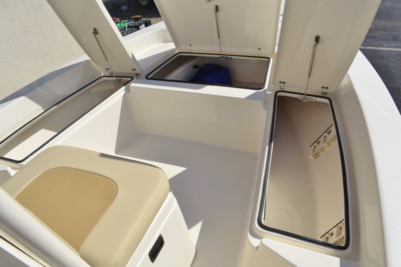 Thumbnail 28 for New 2016 Pathfinder 2200 TRS Bay Boat boat for sale in Vero Beach, FL