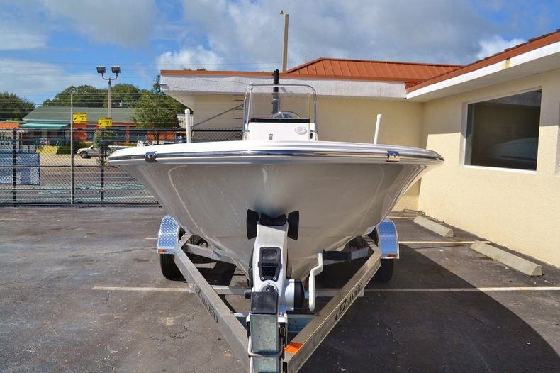 Thumbnail 2 for New 2016 Sportsman 20 Island Bay boat for sale in Vero Beach, FL