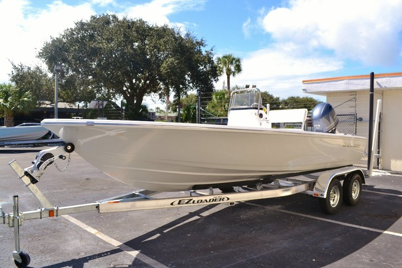 Thumbnail 3 for New 2016 Sportsman 20 Island Bay boat for sale in Vero Beach, FL