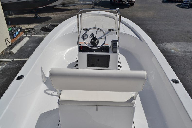 Thumbnail 9 for New 2016 Sportsman 20 Island Bay boat for sale in Vero Beach, FL