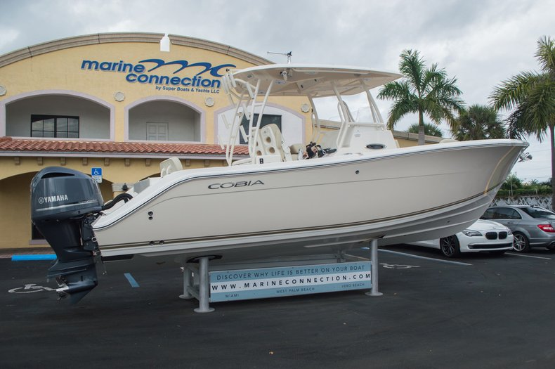 Thumbnail 11 for New 2016 Cobia 296 Center Console boat for sale in Vero Beach, FL