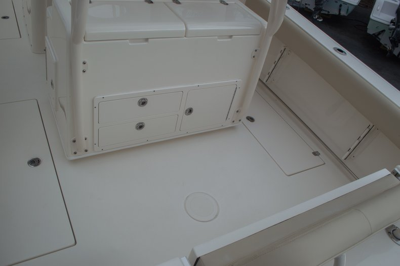 Thumbnail 14 for New 2016 Cobia 296 Center Console boat for sale in Vero Beach, FL