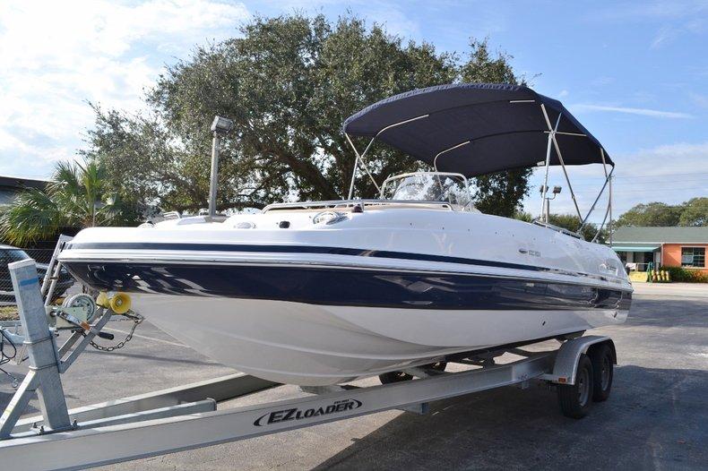 Thumbnail 3 for New 2016 Hurricane Sundeck Sport SS 231 OB boat for sale in Vero Beach, FL