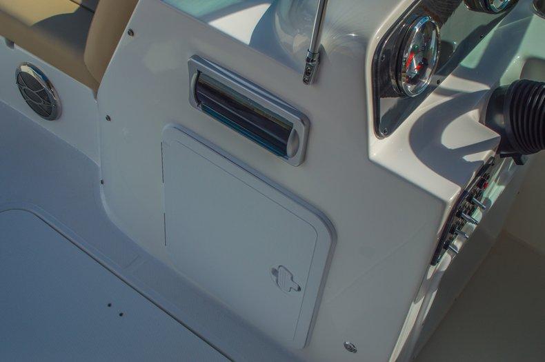 Thumbnail 31 for New 2016 Hurricane SunDeck SD 187 OB boat for sale in Vero Beach, FL