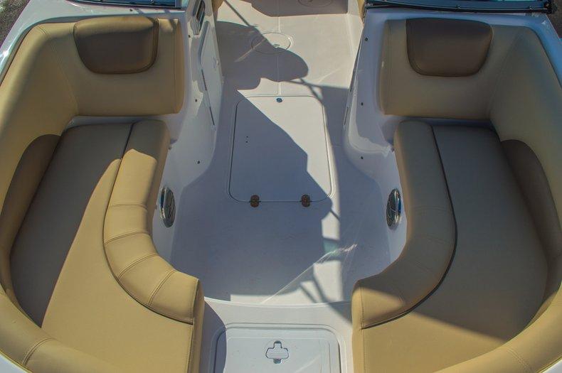 Thumbnail 45 for New 2016 Hurricane SunDeck SD 187 OB boat for sale in Vero Beach, FL