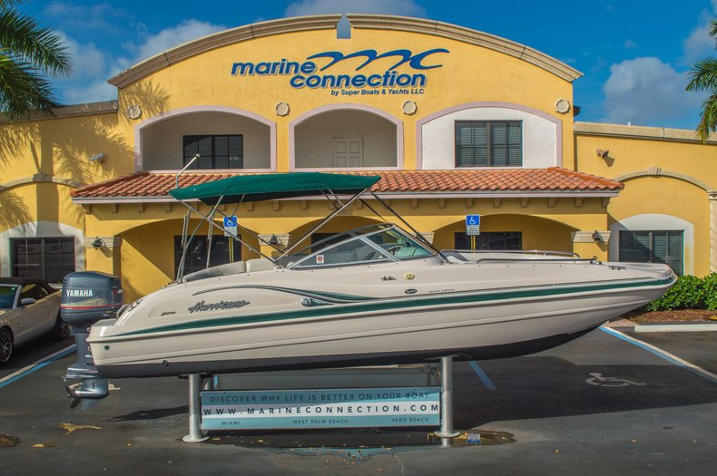 Image 0 for 2001 Hurricane SunDeck SD 237 OB in Vero Beach, FL