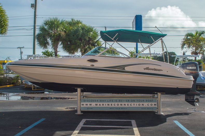 Image 5 for 2001 Hurricane SunDeck SD 237 OB in Vero Beach, FL