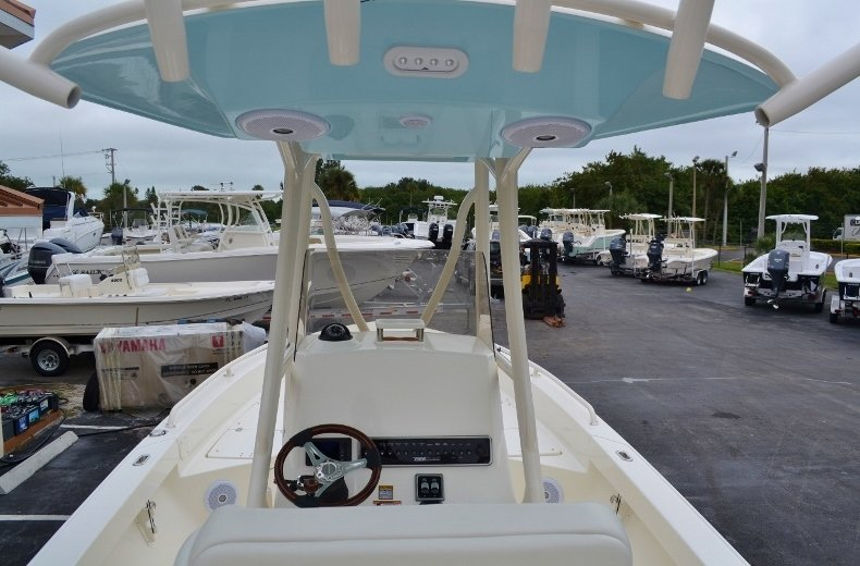 Thumbnail 12 for New 2016 Pathfinder 2600 TRS boat for sale in Vero Beach, FL