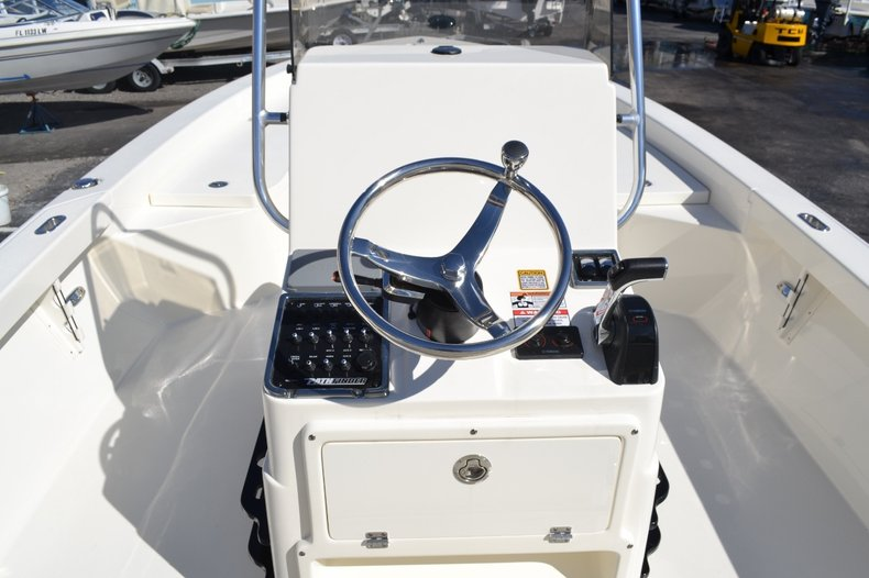 Thumbnail 10 for New 2016 Pathfinder 2600 HPS Bay Boat boat for sale in Vero Beach, FL