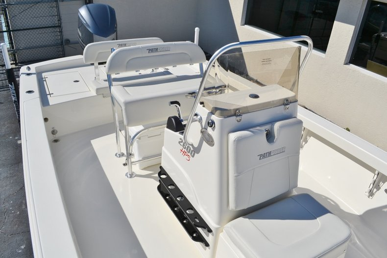 Thumbnail 14 for New 2016 Pathfinder 2600 HPS Bay Boat boat for sale in Vero Beach, FL