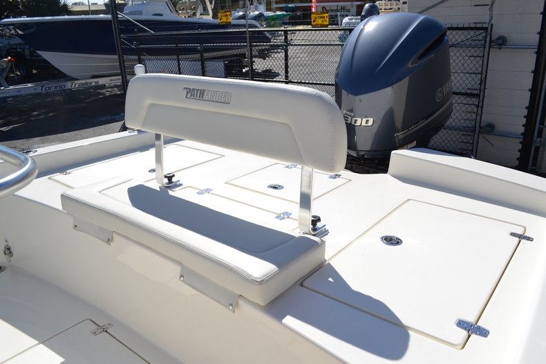Thumbnail 19 for New 2016 Pathfinder 2600 HPS Bay Boat boat for sale in Vero Beach, FL