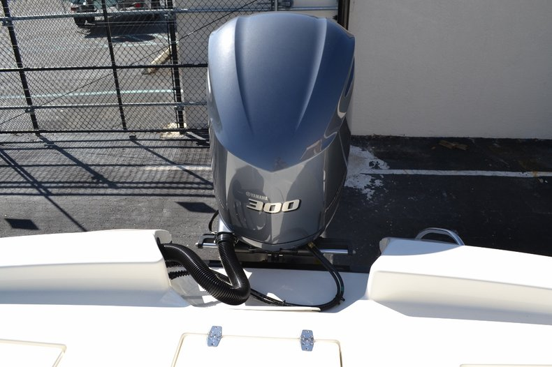 Thumbnail 23 for New 2016 Pathfinder 2600 HPS Bay Boat boat for sale in Vero Beach, FL
