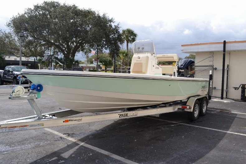 Thumbnail 3 for New 2016 Pathfinder 2200 Tournament Edition boat for sale in Vero Beach, FL