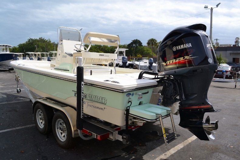 Thumbnail 4 for New 2016 Pathfinder 2200 Tournament Edition boat for sale in Vero Beach, FL